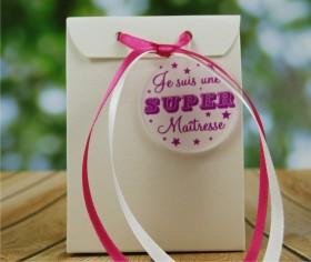 Boite de Chocolat - Je suis une super Maîtresse Gravure Events - Cadeau personnalisé - 1