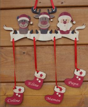Mobile en Bois - Père Noël - 4 Chaussettes - Cadeau personnalise personnalisable - 2